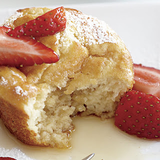 Pancake Soufflé Muffins with Strawberry-Maple Syrup