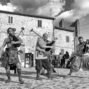 Monteriggioni by Javier Luces - City,  Street & Park  Street Scenes ( black and white, street, festival, mediaeval, italy, city )