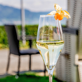 Sunshine and champagne by Linda Brueckmann - Food & Drink Alcohol & Drinks