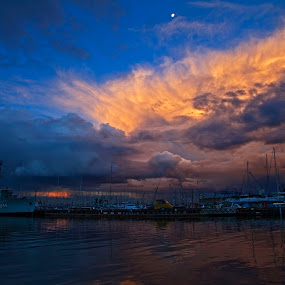 Firey sunset by Peter Cannon - Landscapes Waterscapes ( water, clouds, sky, waterscape, weather, sea, ocean, landscape )