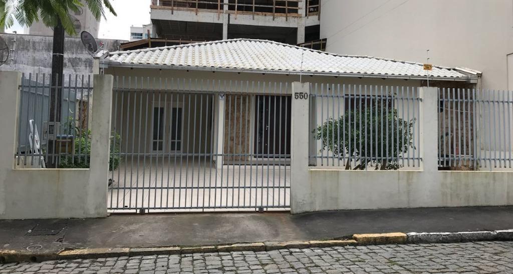 Casa com 3 dormitórios para alugar por R$ 2.998/mês - Meia Praia - Itapema/SC