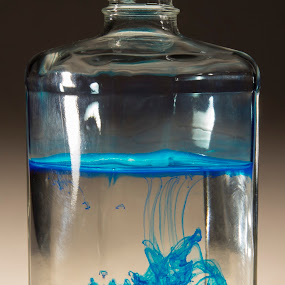 by Gi Po - Artistic Objects Glass ( nikka whisky bottle. )