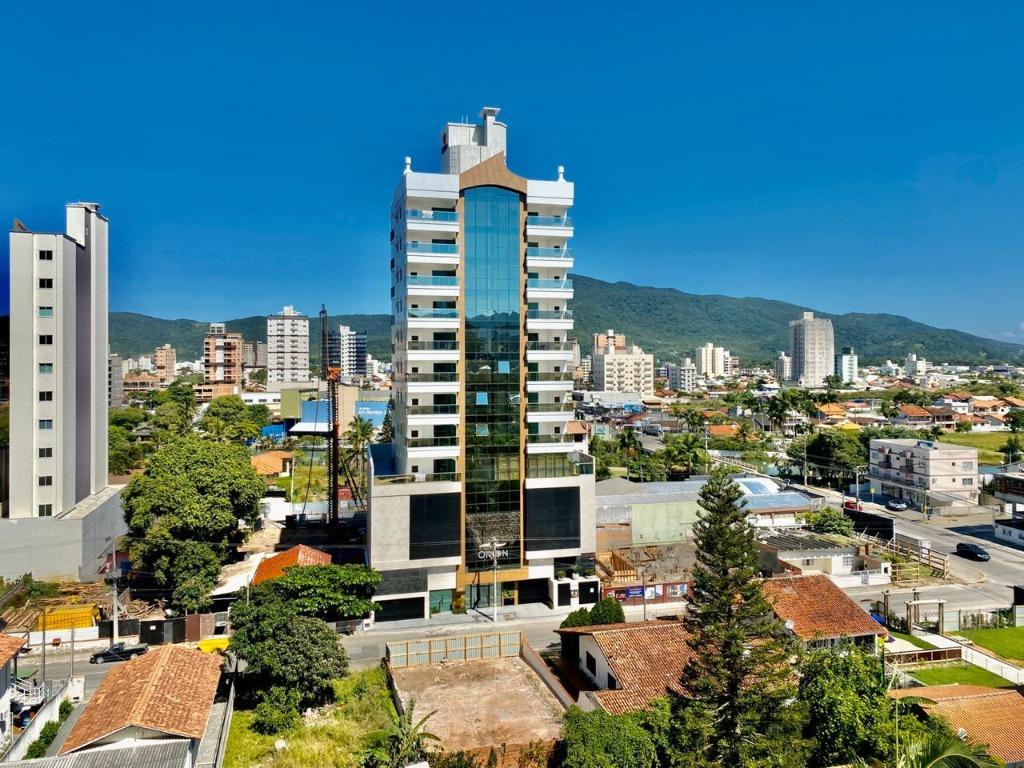Apartamento com 3 dormitórios à venda, 124 m² por R$ 860.000 - Meia Praia - Itapema/SC