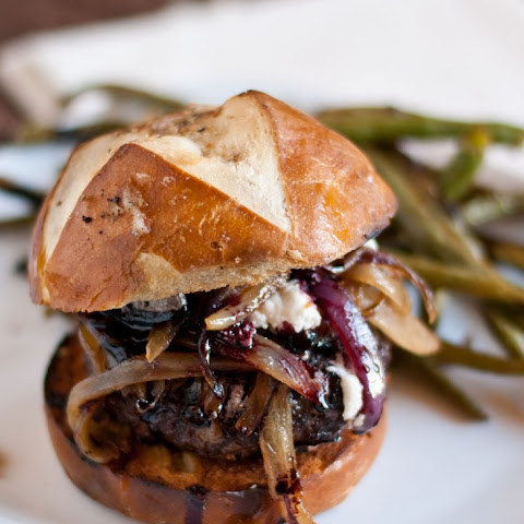 Red Wine Burgers with Caramelized Onions and Goat Cheese #SundaySupper