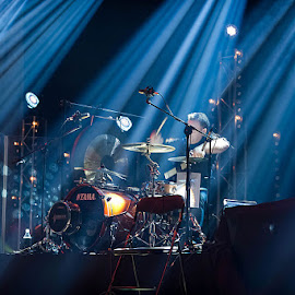 Hey Unplugged by Paweł Mielko - People Musicians & Entertainers ( concert, hey, drummer, drum, percusion, light, unplugged, live, koncert )