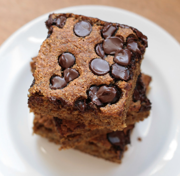 Banana Chocolate Chip Snack Cake Recipe | Yummly
