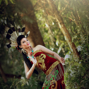 Bawi Kuwu by Andi Adinata - People Portraits of Women ( culture )