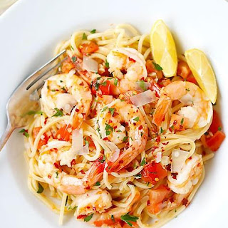 Spicy Shrimp Pasta In Garlic Tomato Cream Sauce