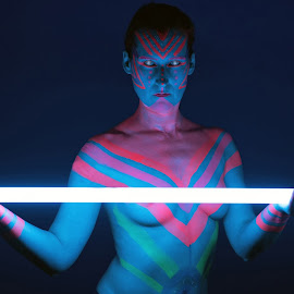 Alien by Tomas Fensterseifer - Nudes & Boudoir Artistic Nude ( extrem make up, neon, body art, alien )