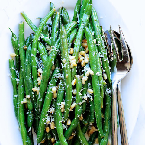 Green Beans with Parmesan and Lemon Butter Sauce