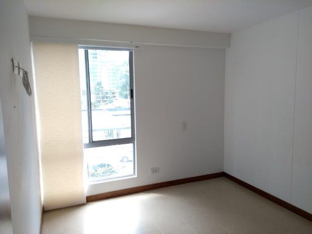 apartamento en arriendo loma de las brujas 594-21003