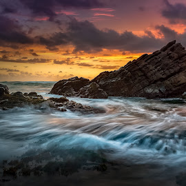 Never give up by Safrudin Fathan - Landscapes Sunsets & Sunrises ( waves, sunset, seascape, cibobos, landscape, rocks )
