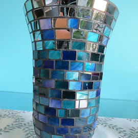 Stained glass blue vase by Maricor Bayotas-Brizzi - Artistic Objects Glass