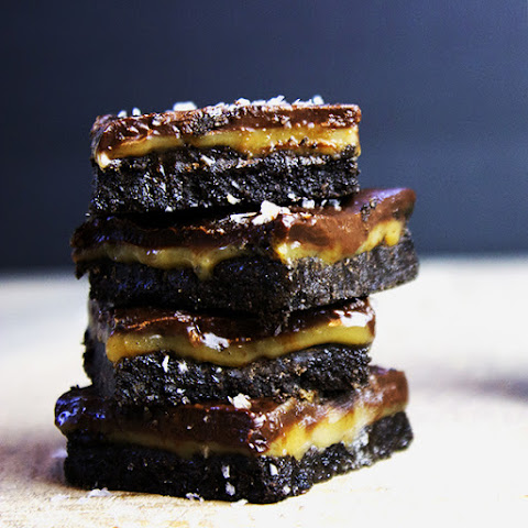 Salted Caramel & Chocolate Oreo Bars
