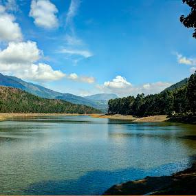 Waterscapes , Landscapes,Kerala,Dam,mattupetty dam by Vyom Saxena - Landscapes Waterscapes ( mattupetty dam, dam, kerala, waterscapes, landscapes )