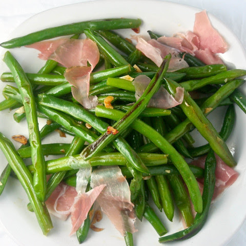 Sauteed Green Beans with Garlic and Spanish Ham