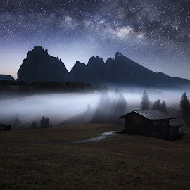 by Richard  Harris - Landscapes Starscapes