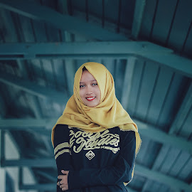 Els by Iwan Setiawan - People Fashion