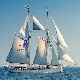 Sailing by Tomasz Budziak - Transportation Boats ( boats, sailing, transportation )