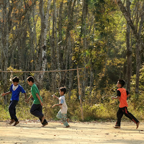 Soccer kids by Azmil Omar - Babies & Children Children Candids ( football, forest, kids, people, soccer )