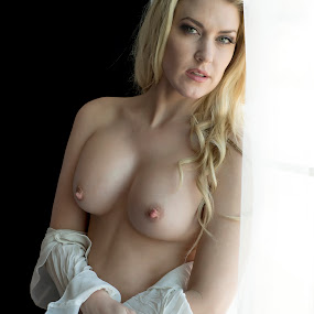 Pensive by Kens Yeaglin - Nudes & Boudoir Artistic Nude ( natural light, nude, stdio, boudoir, julieearnes )