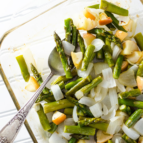 Simple Roasted Asparagus with Apple & Onion
