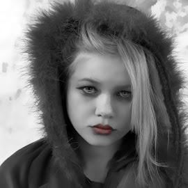 girl by Lize Hill - Digital Art People (  )