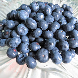 Blueberries by Maricor Bayotas-Brizzi - Food & Drink Fruits & Vegetables