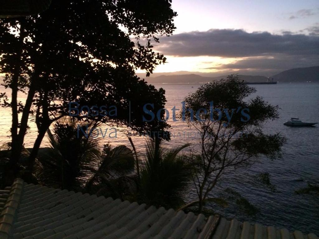 Praia particular no paraíso