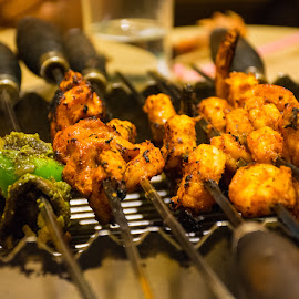 Barbecue on table by Vikas Jha - Food & Drink Meats & Cheeses ( grill, food, meat, barbecue )