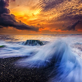 Morning Dances by Hendri Suhandi - Landscapes Waterscapes ( clouds, bali, splash, manyar, beach, sunrise, motion )
