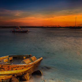 .:: lonely and forgotten ::. by Setyawan B. Prasodjo - Transportation Boats