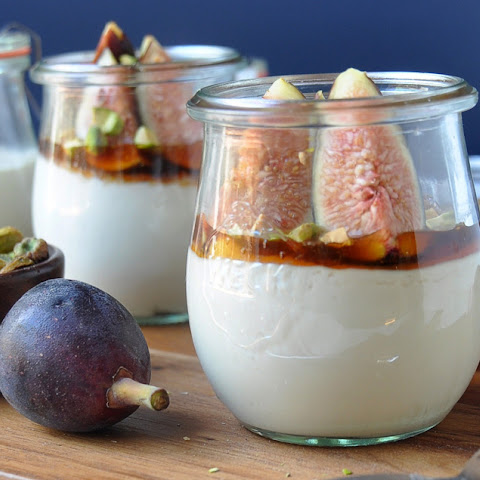 Fresh Figs with Mascarpone, Honey and Pistachios