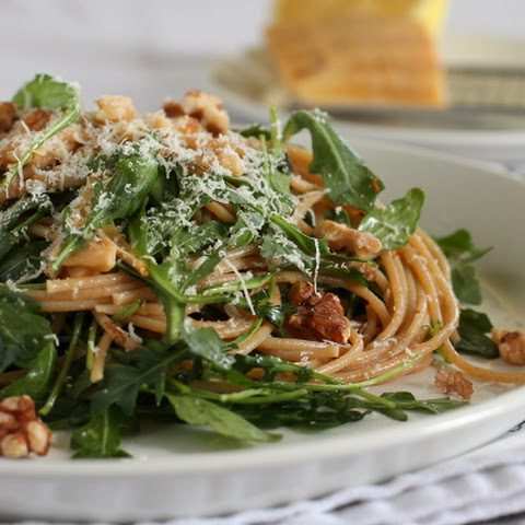 Whole Wheat Pasta with Arugula, Lemon, and Walnuts