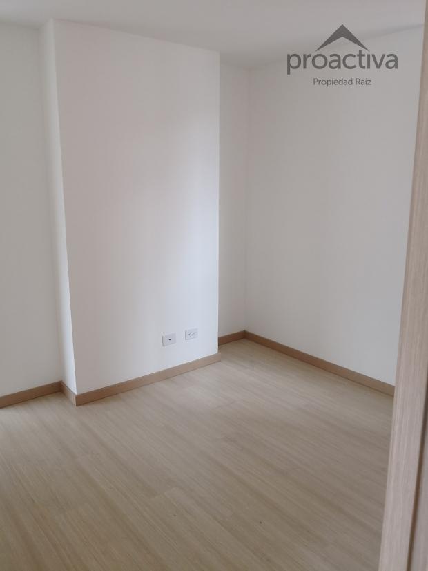 apartamento en arriendo el esmeraldal 497-6520