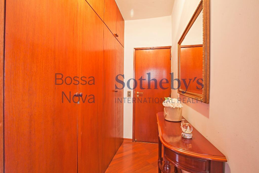 Apartamento residencial à venda, Moema, São Paulo - AP12583.
