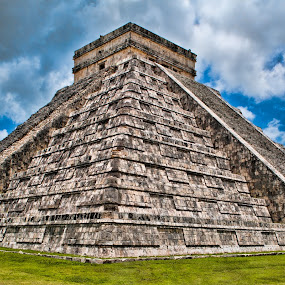 Chichen Itza by Jason Brown - Buildings & Architecture Statues & Monuments