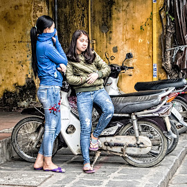 I See You by Richard Michael Lingo - People Street & Candids ( street, vietnam, candid, women, people )