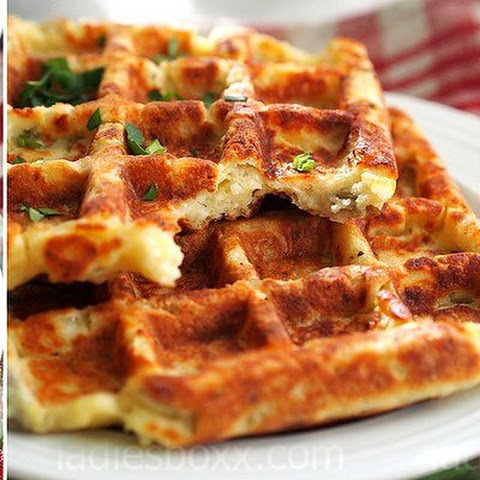 POTATO WAFFLES WITH HERBS
