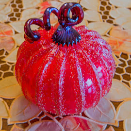 Pumpkin Sparkle by Will McNamee - Artistic Objects Glass ( dld3us@aol.com, gigart@aol.com, aundiram@msn.com, danielmcnamee@comcast.net, mcnamee2169@yahoo.com, ronmead179@comcast.net )