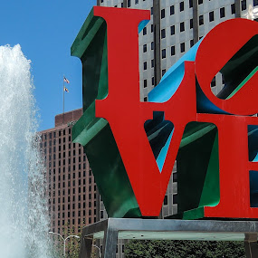 LOVE by John Ogden - City,  Street & Park  City Parks ( love, sculpure, fountain, pennsylvania, philadelphia )