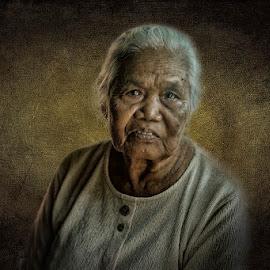 Ols lady by Indrawan Ekomurtomo - People Portraits of Women