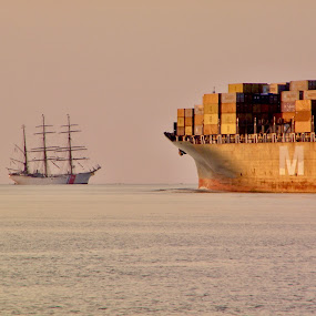 by Hugh McLaren - Transportation Boats (  )