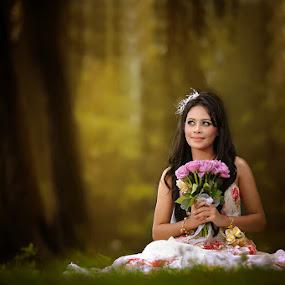 by Jari Foto - Wedding Bride