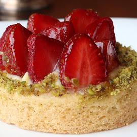 Strawberry tart by Jair Dsouza - Food & Drink Cooking & Baking ( taj connemara )