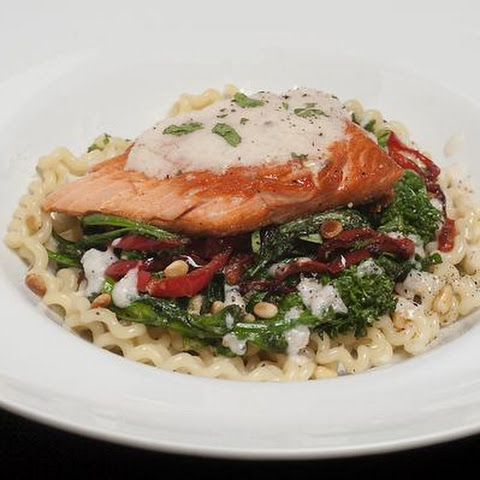 Salmon Over Fusilli & Rapini With Lemon-Wine Sauce