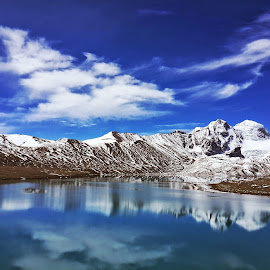 Peace by Girish M - Instagram & Mobile Android ( mountain, snow )
