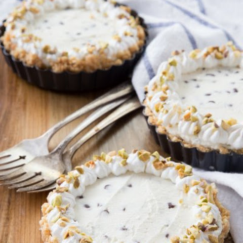 Mini Cannoli Cheesecake Pies