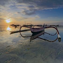 Standby by Gede Widiarsa - Transportation Boats ( bali, semawang, jukung, sanur, boats )