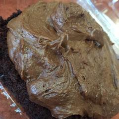 Chocolate cake w/choc frosting